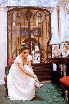Vestido de Carol Nasser escolhido por Luiza. O casamento de Luiza e Robin, publicado no Euamocasamento.com. As fotos são de Priscilla Hossaka. #euamocasamento #NoivasRio #Casabemcomvocê