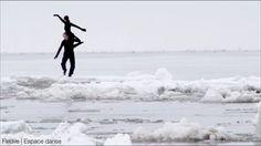 Photographie tirée du film Glace, Crevasse et Dérive, produit par Fleuve   Espace danse.