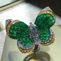 """Incredibly beautiful butterfly by Van Cleef & Arpels @vancleefarpels at #sihh2016 - the most important luxury exhibition of fine timepieces around the…"""
