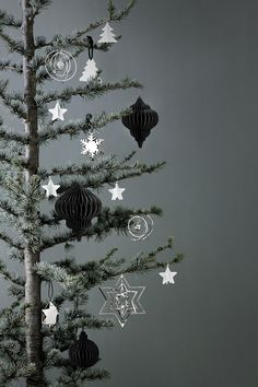 This years #Christmas decorations from the  Scandinavian design icon Broste Copenhagen.  Photo by Line Thit Klein