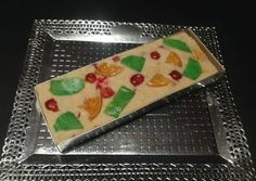 Turrón de nata con frutas confitadas Plastic Cutting Board, Fondant, Chocolate, Cooking, Sweet, Christmas, Pretty Pictures, Spanish, Happy Birthday
