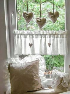 Love this especially the cloth hearts Shabby Chic Living Room, Window Decor, Diy Home Decor, Country Curtains, Home Decor, Wholesale Decor, Shabby Chic Decor Living Room, Chic Bedroom, Shabby Chic Decor Bedroom