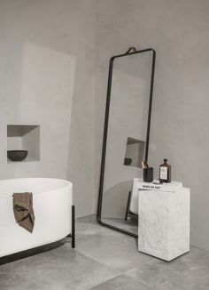 The norm floor mirror from menu is another minimalist design by norm architects with sleek clean lines. This beautiful mirror is portable and functional. Bathroom Design Inspiration, Bad Inspiration, Bathroom Interior Design, Design Ideas, Menu Design, Design Trends, Villa Design, Design Hotel, Home Design