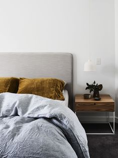 10 Blessed Clever Ideas: Minimalist Home Interior Wood minimalist kitchen small woods.Boho Minimalist Home Sofas minimalist home interior wood.Minimalist Home Closet Cleanses. Interior Design Minimalist, Minimalist Bedroom, Minimalist Decor, Minimalist Style, Minimalist Living, White Headboard, White Bedroom, Headboard Ideas, Cozy Bedroom