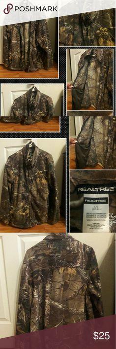 "MENS "" REALTREE CAMO JACKET "" SIZE LARGE,  MEN'S CAMO COLLAR JACKET,  GOOD USED CONDITION,  ""REALTREE "" Realtree Jackets & Coats"