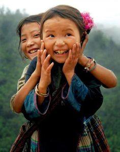 ~ It's A Beautiful World - People Precious Children, Beautiful Children, Happy Children, Just Smile, Smile Face, Beautiful Smile, Beautiful People, People Around The World, Around The Worlds