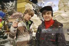 """DECK - """"The Swede Life"""" - While docked in Sweden, Zack and Cody learn. Old Disney Channel, Disney Channel Stars, Disney Stars, Cody And Zack, Cody Sprouse, Suit Life On Deck, Cody Martin, Old Disney Shows, Biology Classroom"""