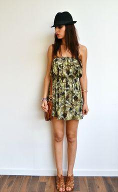 Robe courte tropicale noir et kaki tendance hippie de Menina for Mathis sur DaWanda.com