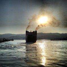 Αφήνωντας πίσω το λιμάνι