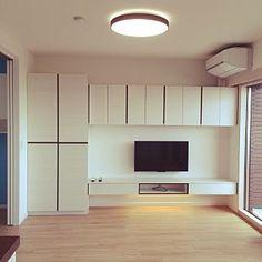 Closet Bedroom, Bedroom Wall, Tv Entertainment Wall, Simple House Design, Wall Storage, Storage Units, Basement Walls, Tv Cabinets, Door Design