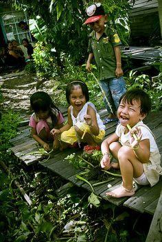 {potret bersahaja anak-anak banua} Banjarmasin, Indonesia.