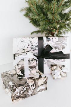 DIY marbled wrapping