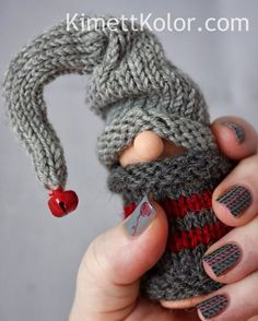 Kimett Kolor: Knitted Gnome Sweater with Nail Art Quilted Christmas Ornaments, Christmas Crafts, Crochet Ornaments, Christmas Christmas, Christmas Knitting, Christmas Sweaters, Christmas Knomes, Spool Crafts, Gnome Hat