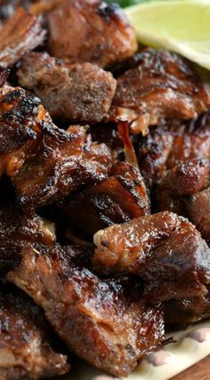 Carnitas - Bite-sized pieces of pork cooked low & slow in the oven until super tender, then perfectly caramelized! Pork Recipes, Mexican Food Recipes, Cooking Recipes, Grilling Recipes, Pork Carnitas Recipe, Carnitas Tacos, Pork Tacos, Poblano, Recipes