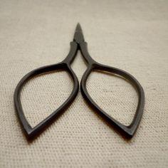 pointy handle scissors | www.habutextiles.com