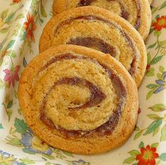 Date Pinwheel Ice Box Cookies - made it **** Modification - instead of orange juice, used brandy and lemon juice plus lemon zest. Pinwheel Cookies, Baking Recipes, Cookie Recipes, Dessert Recipes, Desserts, Refrigerator Cookies Recipes, Freezer Cookies, Chef Recipes, Dates