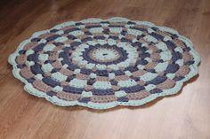 gehaakt mandala vloerkleed, haken, patroon van hoooked. *Handmade by Henja*