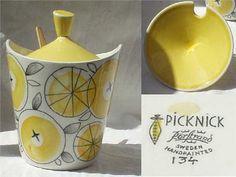 Picknick by Marianne Westman Vintage Dishware, Vintage Dishes, Vintage Pottery, Vintage Kitchen, Decoration, Art Decor, Swedish Dishes, Scandi Chic, Scandinavia Design