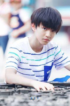Vương Tuấn Khải siêu cấp đẹp trai   Wang Junkai - Vương Tuấn Khải ...
