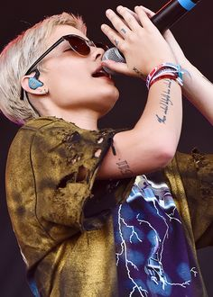 HALSEY performing at ACL Music Festival