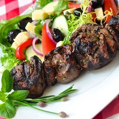 These super tasty grilled steak medallions are are great way to economically portion control a steak dinner and pack plenty of herb and garlic flavor too.