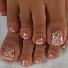 Ongles pour mariage Come visit us Often, we post fresh and surprising Nail designs every single day. Pretty Toe Nails, Cute Toe Nails, Cute Acrylic Nails, Pretty Toes, Toe Nail Art, Cute Toes, Feet Nail Design, Toe Nail Designs, Nails Design