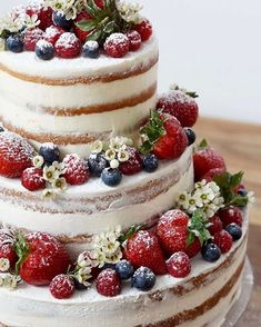 Naked wedding cake #nakedweddingcakes #weddingcake