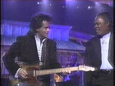 When Something Is Wrong With My Baby - Travis Tritt & Sam Moore (from Rhythm & Country Blues)