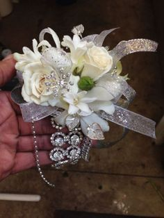 Wrist Corsage, Corsage Prom, Prom Corsage And Boutonniere, Wedding Corsage Ideas, Prom Flowers Corsage Wristlets Gold Corsage, White Corsage, Prom Corsage And Boutonniere, Flower Corsage, Homecoming Flowers, Homecoming Corsage, Prom Flowers, Bridal Flowers, Crosage Prom