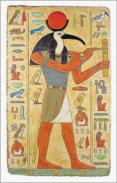 Птица ибис считалась у египтян символом мудрости. Поэтому бог мудрости Тот изображался с головой ибиса и туловищем человека. Этому богу египтяне приписывали создание письменности и литературы. Священным птицам в Древнем Египте настолько поклонялись, что даже невольный виновник их гибели подвергался жестокому наказанию вплоть до смертной казни, а убиенных птиц бальзамировали.