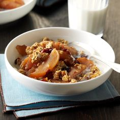 Slow-Cooked Breakfast Apple Cobbler Recipe -This is a great recipe to serve on Christmas morning or any other cold morning. The apples can be peeled if preferred. Slow Cooker Breakfast, Breakfast Recipes, Apple Breakfast, Breakfast Ideas, Breakfast Dishes, Healthy Low Calorie Breakfast, Healthy Food, Healthy Breakfasts, Healthy Eating