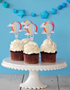 Cute hot-air balloon cupcakes for D's baby shower!! Can't wait!!