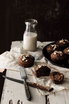 Chocolate Oatmeal Flaxseed Muffins - Home - Pastry Affair.chocolate and espresso? My Favorite Food, Favorite Recipes, Chocolate Oatmeal, Chocolate Muffins, Chocolate Cake, Healthy Chocolate, Flaxseed Muffins, Bran Muffins, Oatmeal Muffins