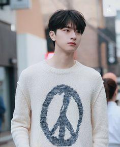 Cute Asian Guys, Cute Guys, Asian Actors, Korean Actors, Cute Celebrities, Celebs, Chines Drama, Cute White Boys, Asian Hair