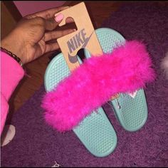 Nike Feather Slides Made to order.   -Nike slides available mainly in black or white. If you want another color, let me know. -All colors available for fur.  Please allow 3-5 days for processing.. I order the slides then go from there.  TOO ORDER: comment below with information and I will create a separate listing for you to purchase.  Size: Nike slide color: Fur color: Nike Shoes