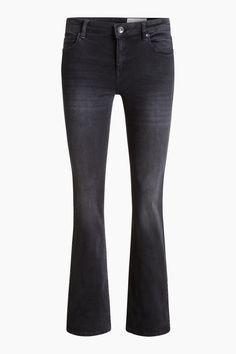 Grösseninfo:  -Innenbeinlänge in Gr. 28/32 (kann je Gr. variieren) ca. 83 cm -Saumöffnung ca. 42 cm   Details:  -Ihren lässigen Look verdankt diese Jeans aus kräftigem Baumwoll-Denim mit Stretchanteil der Black-Medium-Waschung und dem leicht ausgestellten Bootcut. -Die klassischen Five Pockets haben vorn dezente Wrinkle-Effekte und hinten tonige Stitchings. -Der ca. 3 cm breite Bund ist mit Gürtelschlaufen, einem Logo-Metallknopf und einem Frontzipper ausgestattet.  Zusatz-Info:  -Aufgrund…