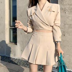 Korean Girl Fashion, Korean Fashion Trends, Ulzzang Fashion, Kpop Fashion Outfits, Girls Fashion Clothes, Edgy Outfits, Korean Outfits, Cute Casual Outfits, Cute Fashion