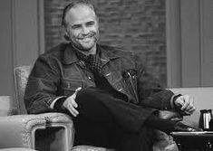 Biographie, bibliographie, lecteurs et citations de Marlon Brando. Marlon Brando est un acteur et réalisateur qui compte parmi les plus grands acteurs américains de sa..