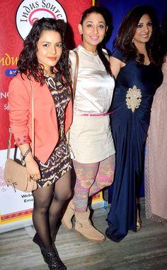 Munisha Khatwani with Shruti Ulfat and a guest at the launch of Munisha Khatwani's new book. Top Celebrities, Celebs, Card Reader, Latest Pics, Bollywood Fashion, New Books, Desi, Product Launch, Actresses