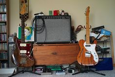 Elvis Costello Jazzmaster and Thinline Telecaster, November, 2008 by Maggie Osterberg, via Flickr