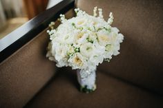 Classic White Roses Wedding Bouquet | http://brideandbreakfast.ph/2015/06/30/sparkle-and-spontaneity/ | Photo: Myio Okamoto