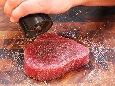 The Food Lab's Complete Guide to Sous Vide Tuna Tuna Steak Recipes, Fish Recipes, Seafood Recipes, Raw Recipes, Multi Cooker Recipes, Raw Tuna, Cooking Whole Chicken, Tuna Steaks, Sous Vide Cooking