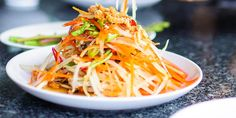 - Asiatisk Nudelsalat - vegetable noodle salat, top with dry roasted peanuts and crispy onion