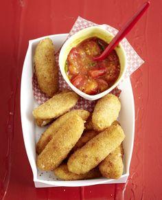 Mozzarella-Sticks mit geschmolzenen Tomaten