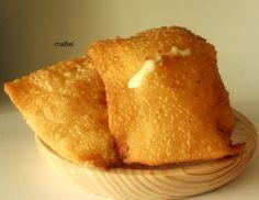 Pastel de feira  http://lacocinadeile-nuestrasrecetas.blogspot.com.es/2012/05/pastel-brasileiro-o-pastel-de-feira.html