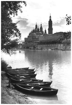 Fotos antiguas de Zaragoza-Rafael Castillejo-Zaragoza River, Places, Outdoor, Zaragoza, Antique Photos, Cities, Fotografia, Outdoors, Lugares