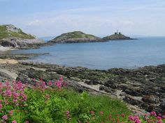 """""""02 Lighthouse"""" by TravelPod blogger jcastellan from the entry """"Along the coast"""" on Monday, June  5, 2006 in Mumbles, United Kingdom"""
