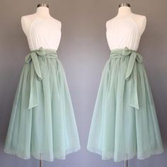 yyAyydyy Sage green chiffon skirt tea length Bridesmaid skirt floor length knee length green chiffon skirt SASH is additional charge shopVmarie 5 out of 5 stars Mode Outfits, Skirt Outfits, Dress Skirt, Dress Up, Midi Skirt, Pretty Outfits, Pretty Dresses, Beautiful Dresses, Girly Outfits
