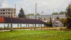 Basdorf, Abriß Plattenbauten 16 | 16348 Basdorf (Wandlitz) - GPS 52.706473, 13.440847 - ehemals Arbeitsdienst-Unterkünfte, VP-Bereitschaft, Polizeischule; künftig Wiesenpark. Fotografiert am 23. September 2013, mittags.