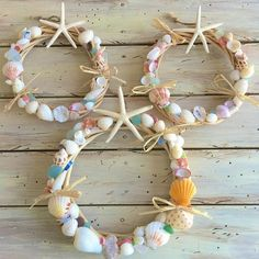 Pin on ハワイアン Pin on ハワイアン Sea Glass Crafts, Sea Crafts, Nature Crafts, Easy Crafts To Sell, Diy Crafts For Kids, Seashell Art, Seashell Crafts, Deco Marine, Shell Decorations